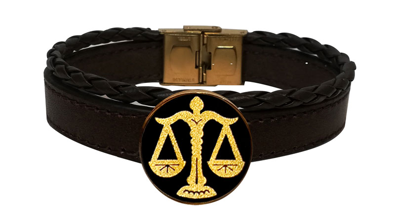 دستبند و آویز طلا با نماد ماه مهر Gold and leather bracelets with the symbol of the month of October